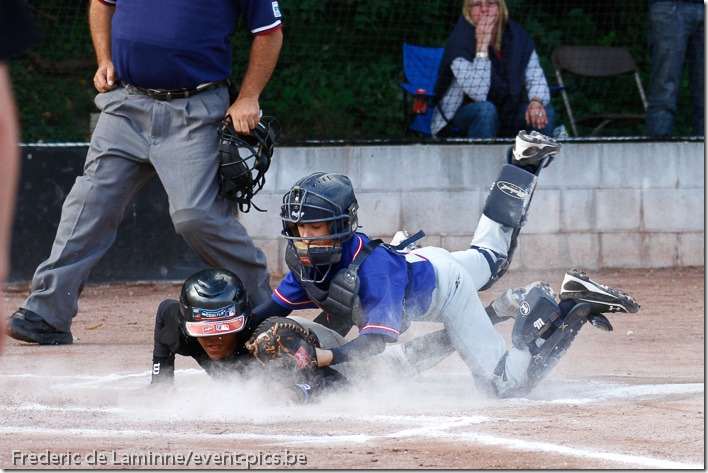 2011 Belgian Little League Championships - Day 2 : Flanders West (black) - Wallonia