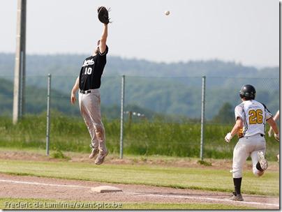smc_20130608_0183_Baseball_1BB_Angels_Stars