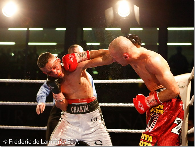 Dardan Zenunaj vq par K.O. au 9è rd de Karim Chakim lors du Gala de boxe de La Plante qui s'est déroulé à Namur (Hall sportif) le 15/11 /2014.
